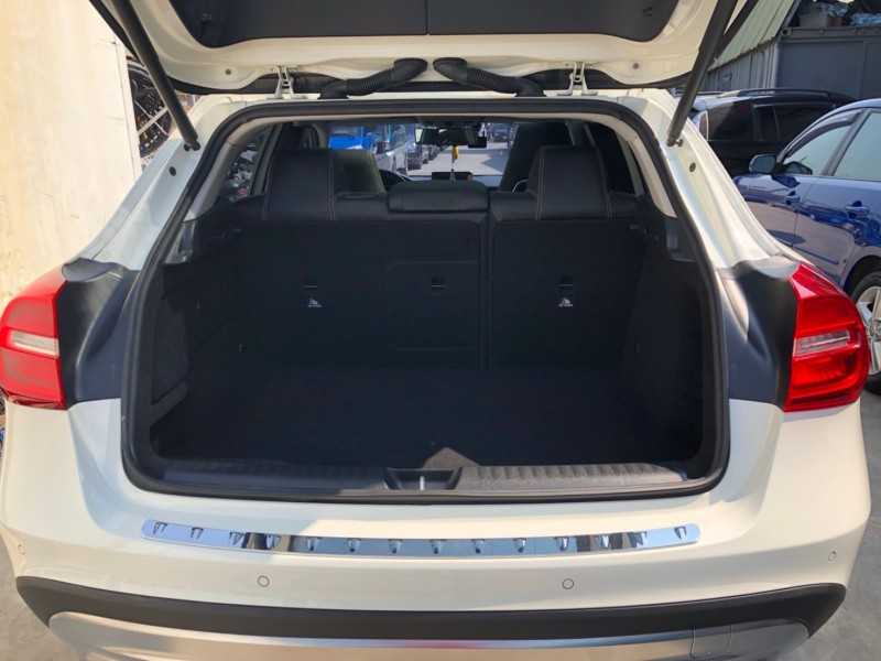 Mercedes-Benz/賓士  GLA-CLASS  GLA200 GLA200 | 新北市汽車商業同業公會|TACA優良車商聯盟|中古、二手車買車賣車公會認證保固